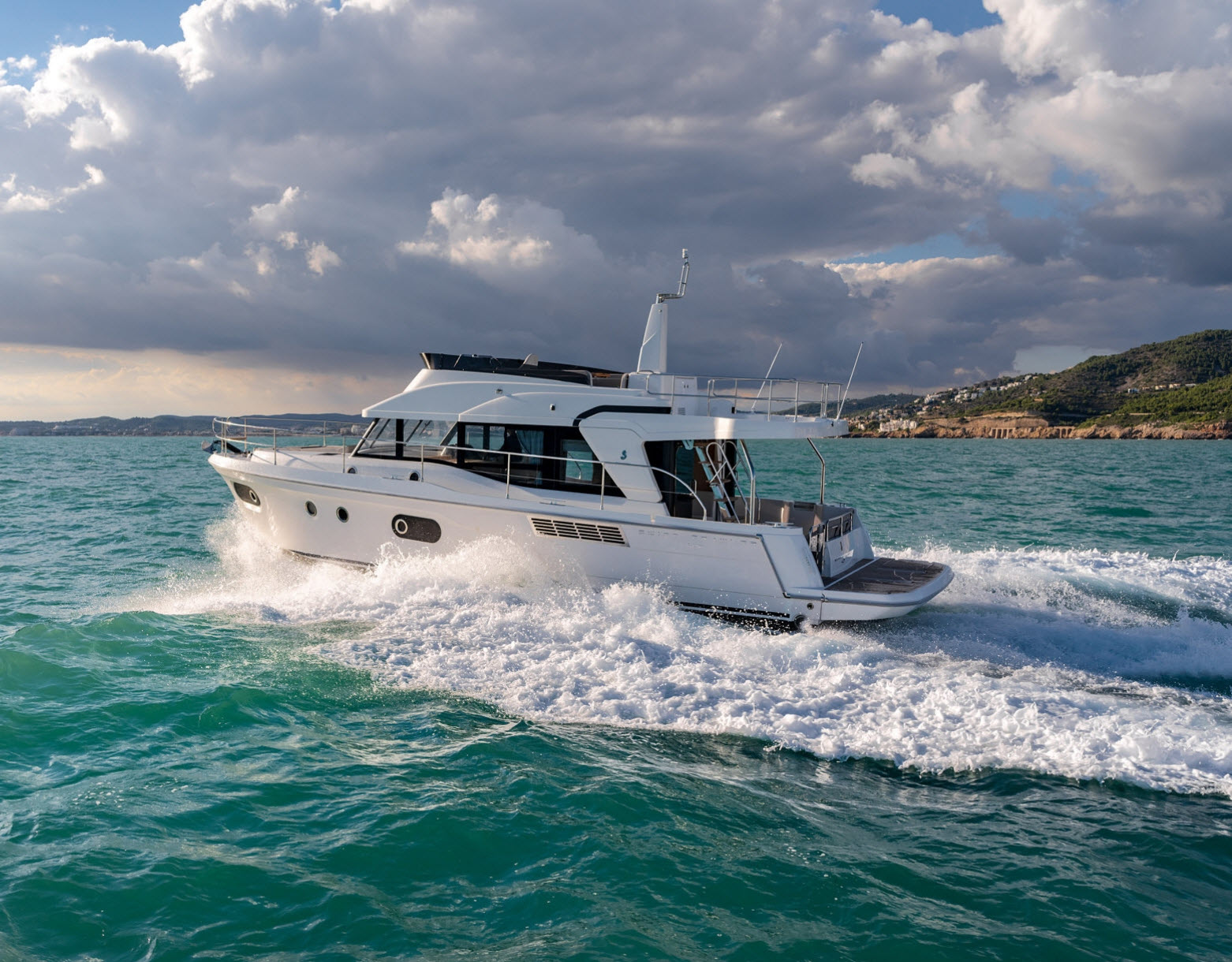DISCOVER SWIFT TRAWLER - SUPERB ON-WATER LIFESTYLE