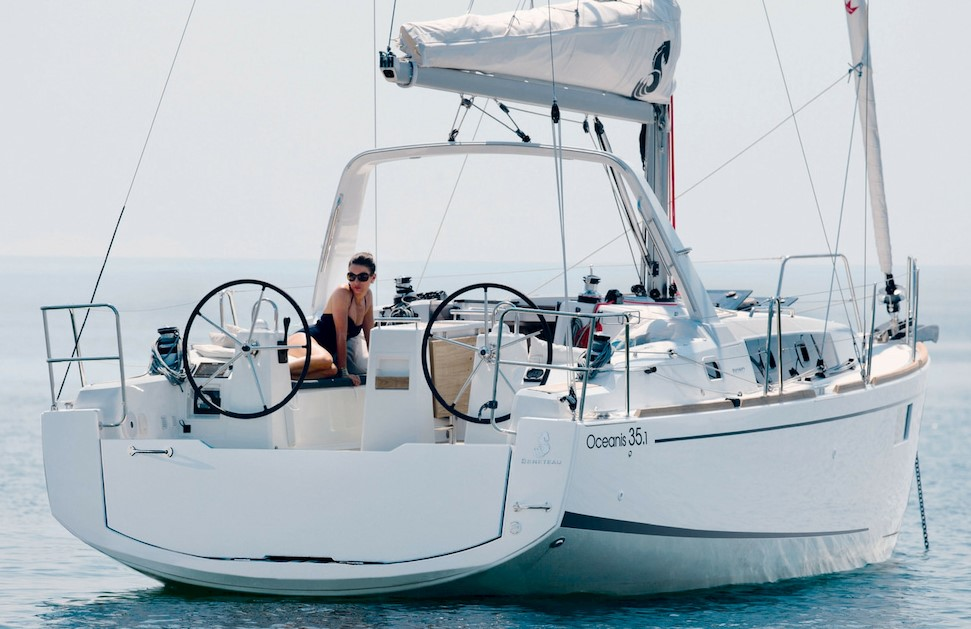 Oceanis 35.1 - Performance and Comfort
